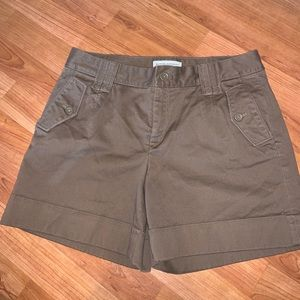 3/$15 Banana Republic | Brown Cuffed Shorts